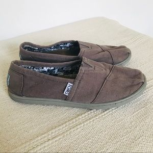 Toms Brown Slip on Size Y4